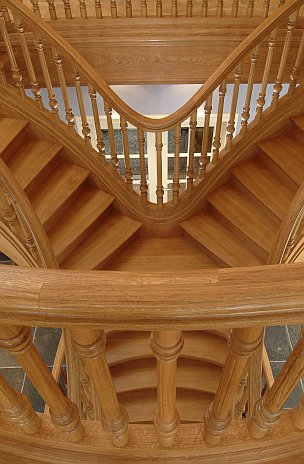 Trapart - Contact Trapart - Staircase builder of exclusive wooden classic and design staircases